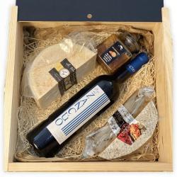CAJA MARIDAJE (PACK SZ-3): Queso de Cabra + 1 Queso de vaca Cremoso Tomate y Orégano + Vino tinto Zancúo + Miel natural